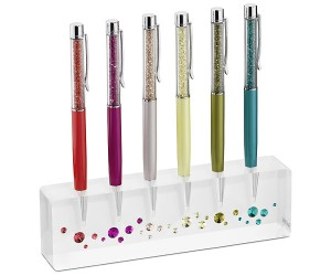 Färgade pennor med pennhållare från Swarovski