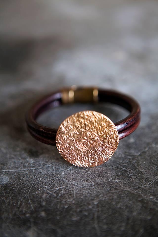 Shieldmaid armband